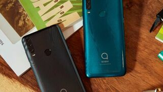 The Alcatel S1 (2020) will be available on the market from April.